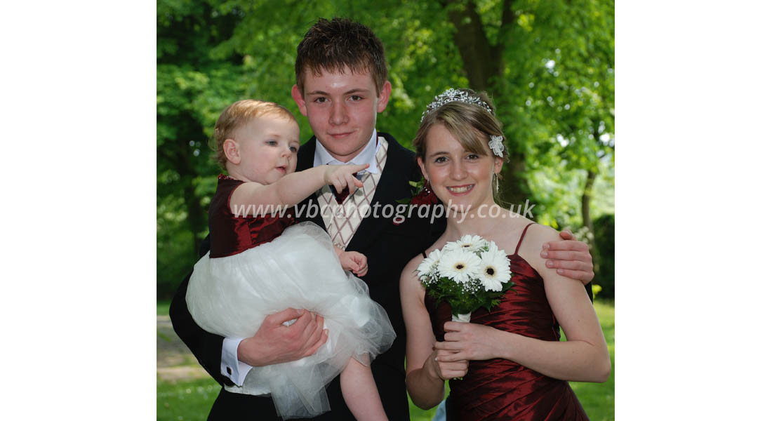 English Wedding Photography - Family Wedding Shoot