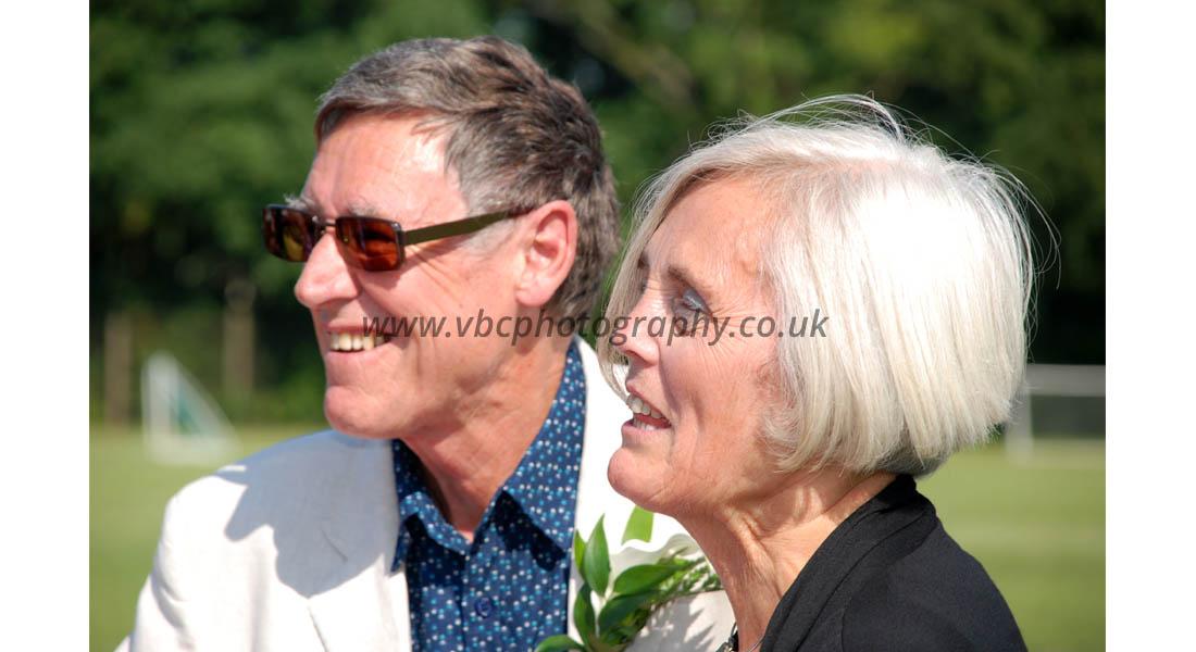 English Wedding Photography - Wedding couple parents